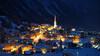 Ort Pettneu im Winter bei Nacht