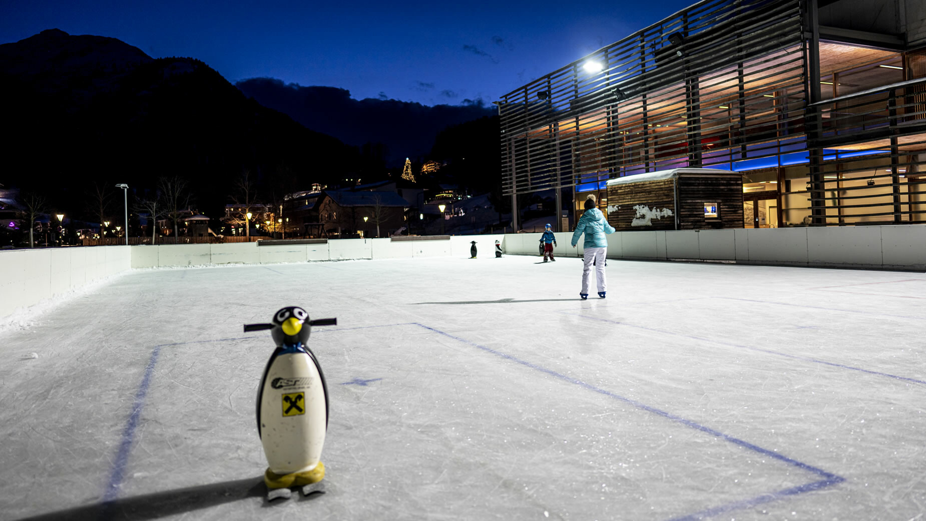 Eislaufen beim Arlberg WellCom in St. Anton am Arlberg