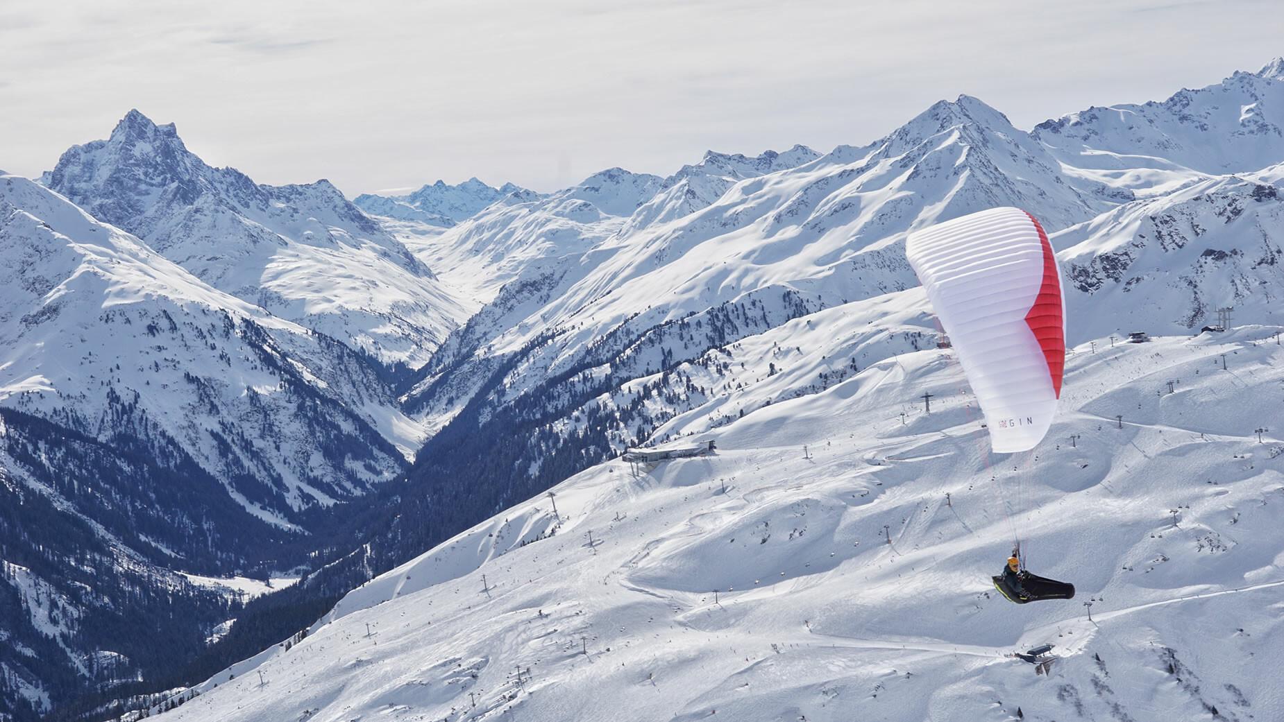 Paragleiten in der Urlaubsregion St. Anton am Arlberg