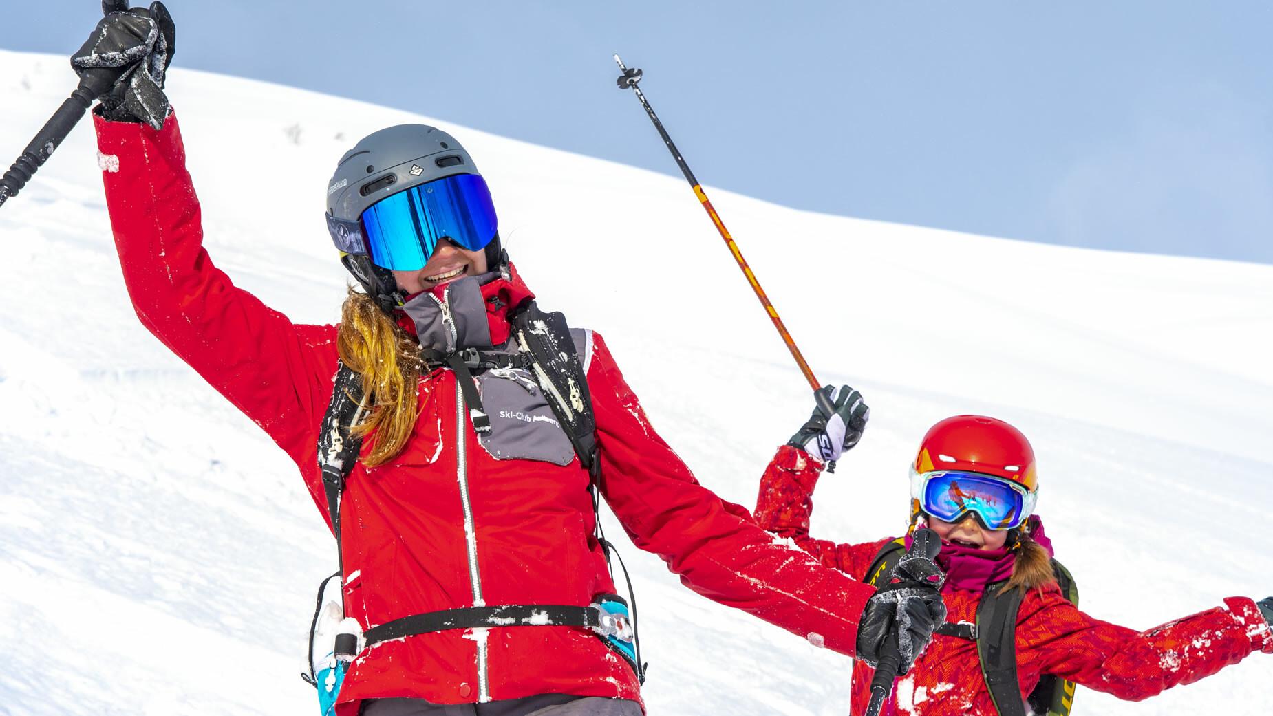 Skilehrer mit Kind in St. Anton am Arlberg