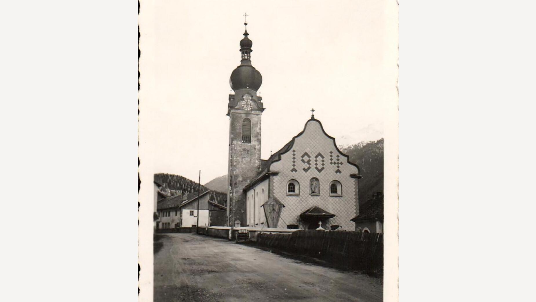 Alte Kirche in Flirsch